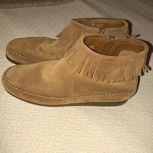 Aerosoles moccasin booties size 8